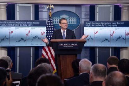 kevin hassett graphs deficit-cutting