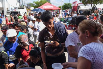 migrant caravan honduras food