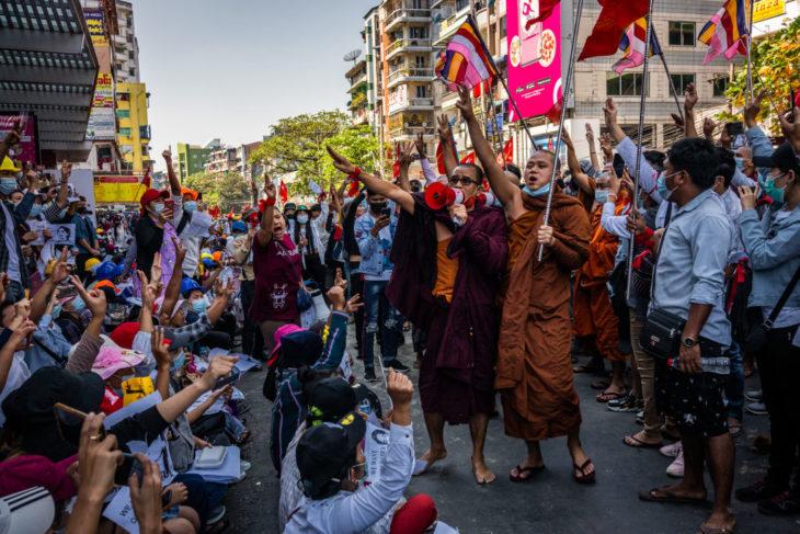 buddhist monks burma
